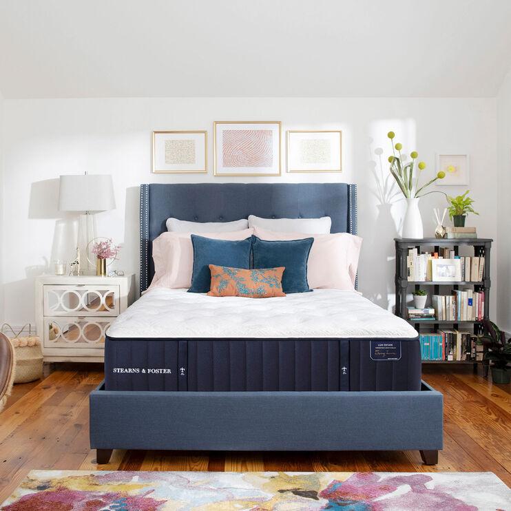 Stearns and Foster Lux Estate Cassatt Plush Queen Mattress